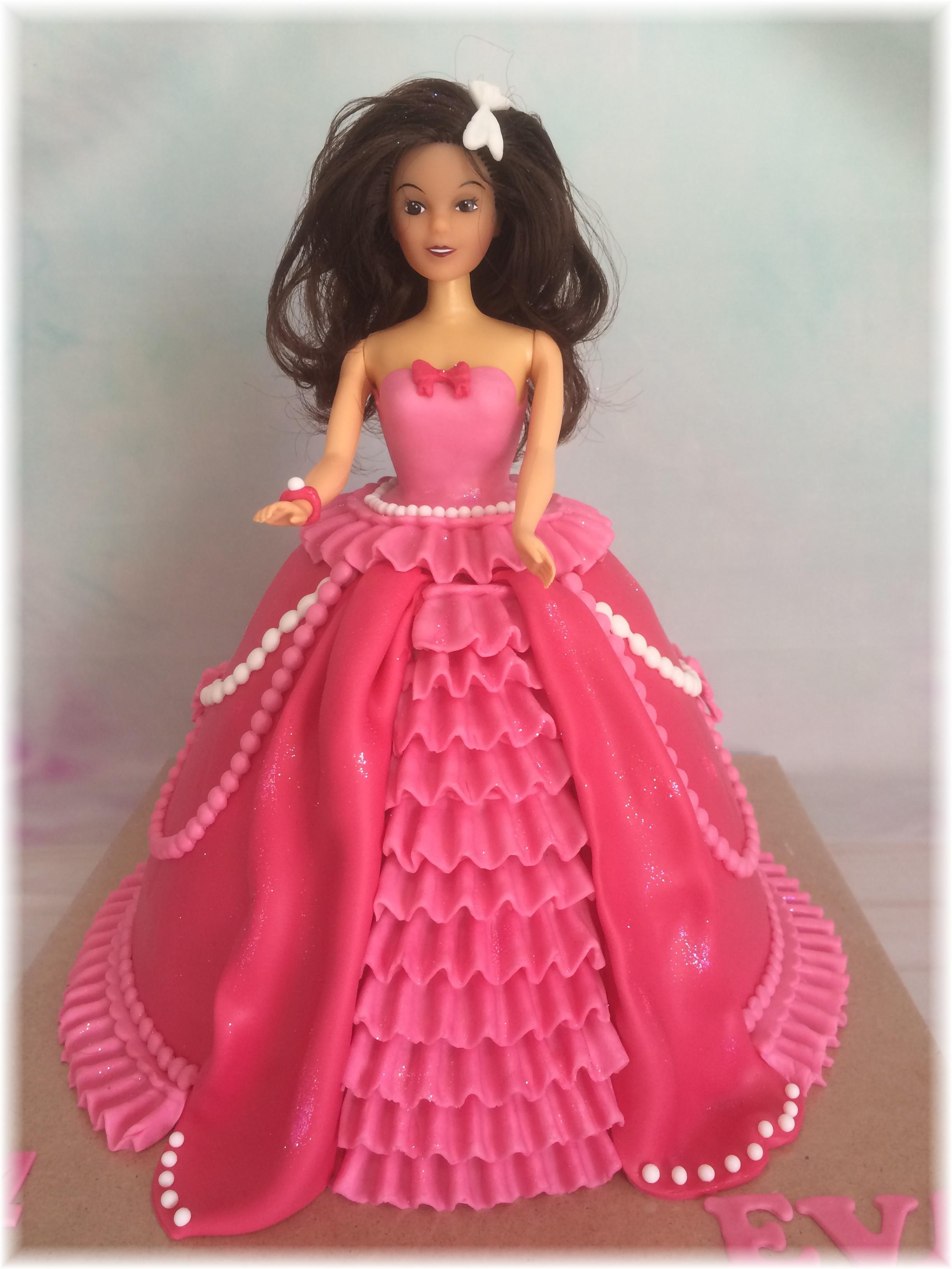 barbie taart 3D Barbie Taart   MjamTaart barbie taart