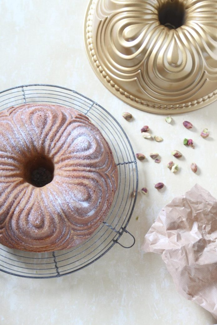 pistache bundt cake